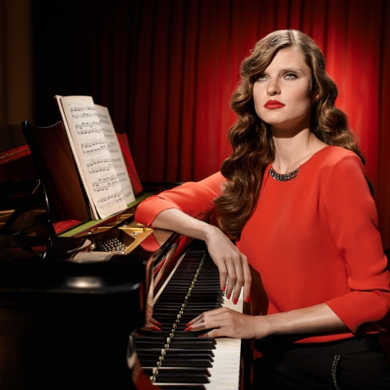 roberto-trevino-piano-woman-caramelo-2